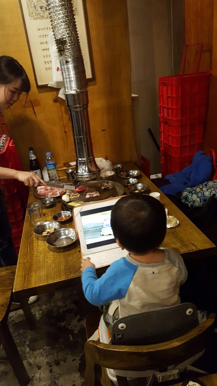 Baby friendly - Little Z can safely sit in Baekjeong BBQ while we enjoy our Korean BBQ
